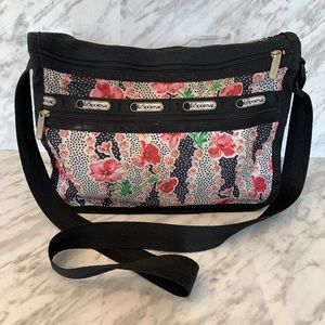 Lesportsac Deluxe Everyday Bag Pink Black Floral